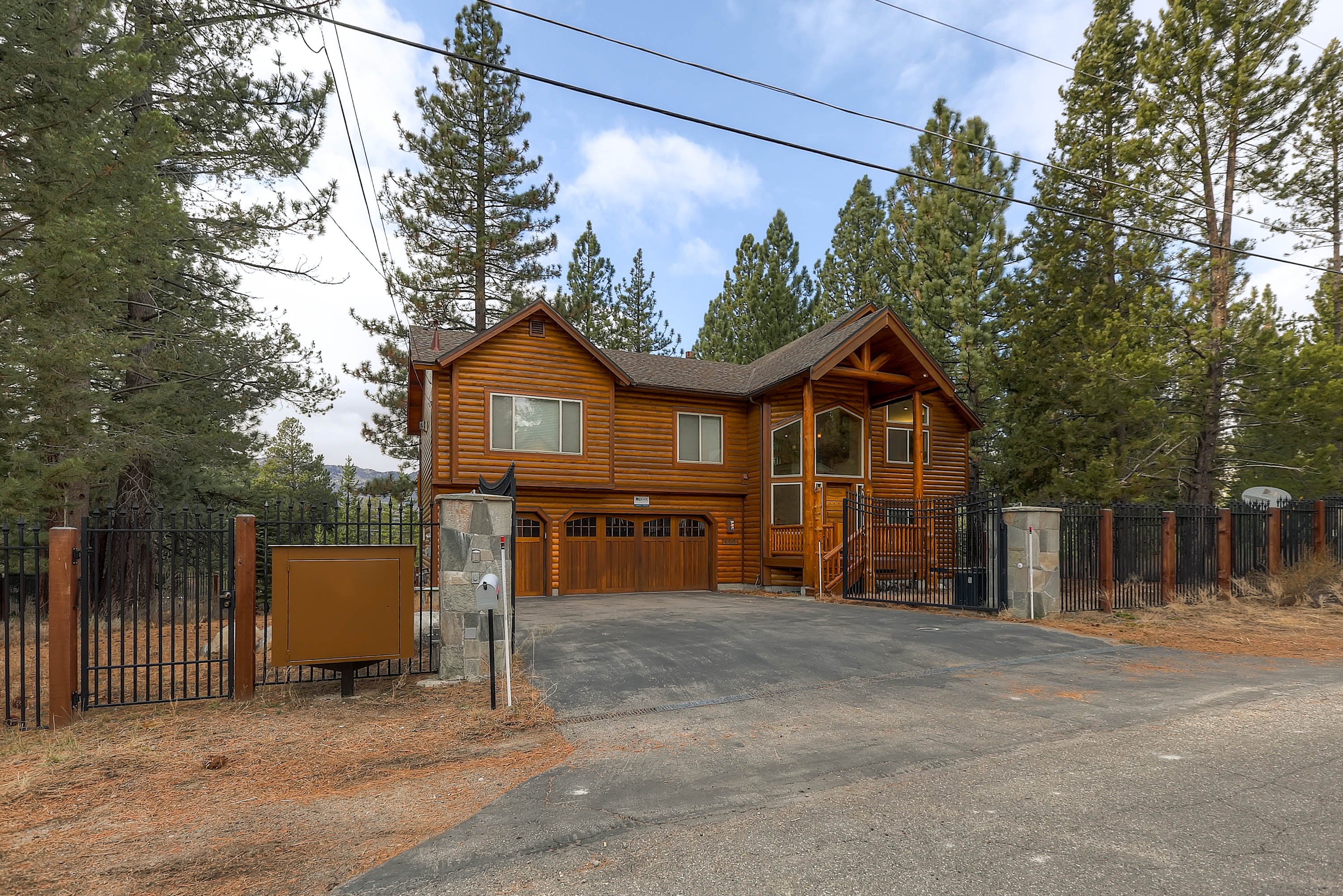 New South Lake Tahoe Vacation Home Dog Friendly Rnr
